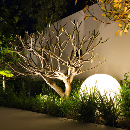 How to light your outdoor area