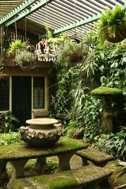 Clever courtyard design tropical landscape other for Tropical house plans with courtyards