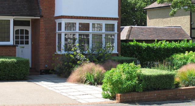 Contemporary front garden contemporary landscape for Modern front garden