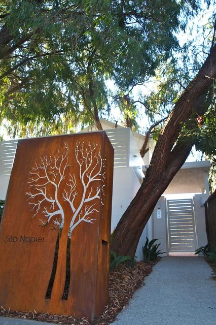 Contemporary garden cottesloe perth contemporary for Garden designs perth