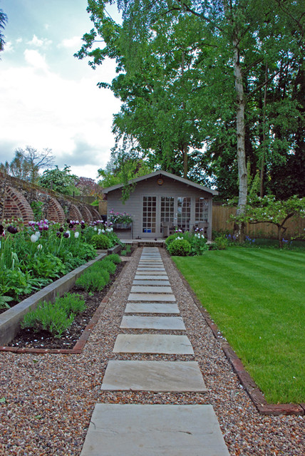 Cottage and vegetable garden - Traditional style traditional-landscape
