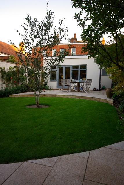 Courtyard garden for a victorian house Victorian