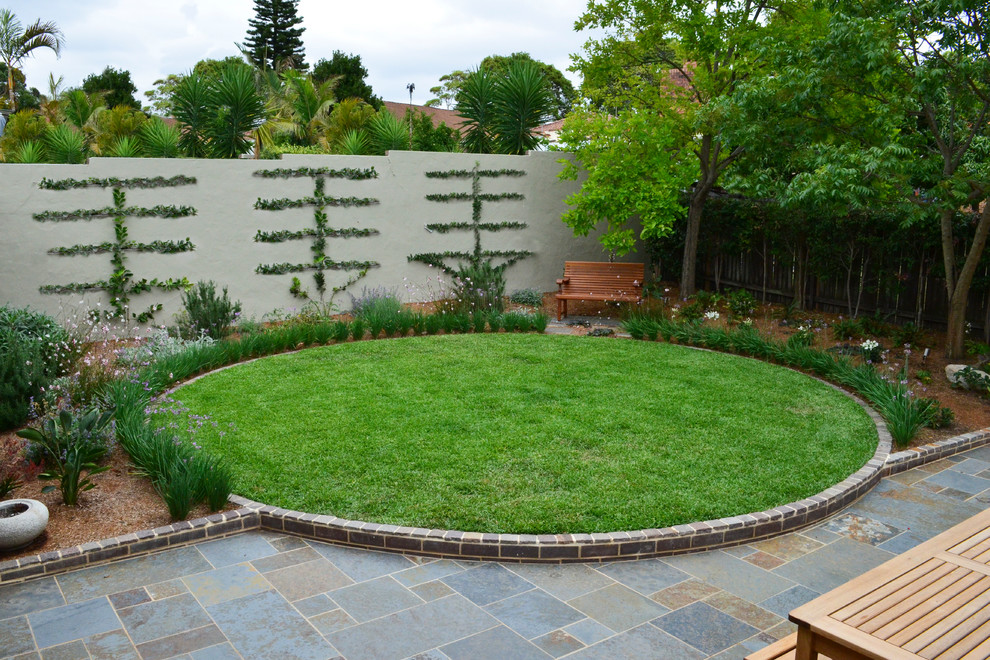 This is an example of a contemporary lawn edging in Sydney.