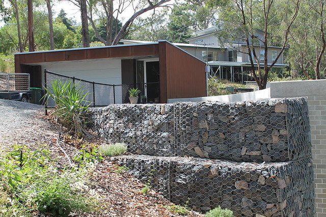 Curved gabion retaining wall crafers for Retaining wall contractors adelaide