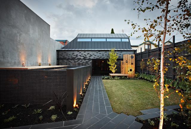 DDB DESIGN Exteriors & Pools contemporary-landscape