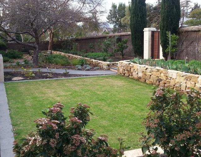 Dry stone garden retaining wall Mediterranean Garden