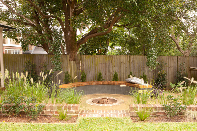 Landscape Garden Epping : Epping family entertainer bespoke curved seating