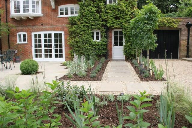 Hitchin Family Garden - Hertfordshire - By Amanda Broughton Garden Design