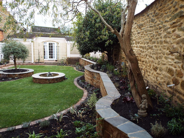 Finished courtyard garden design bodicote oxfordshire for Garden design oxfordshire