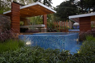Floating layers for Garden training pool