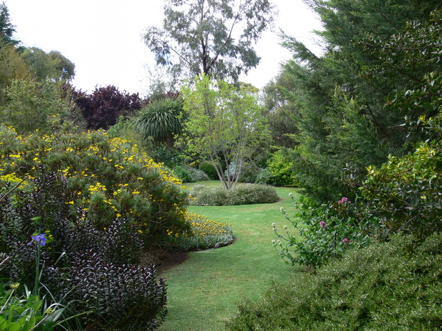 Former ecotourism garden south australia country for Sa landscaping
