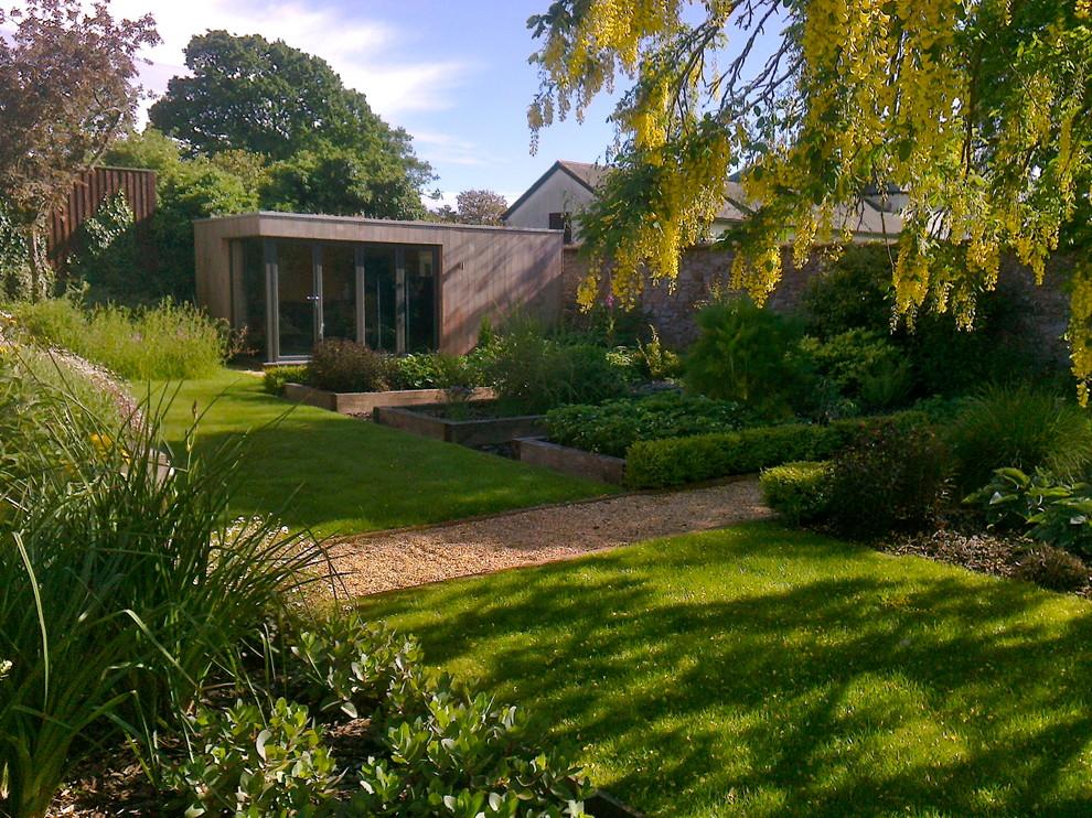Garden for a contemporary house - Contemporary - Landscape ...