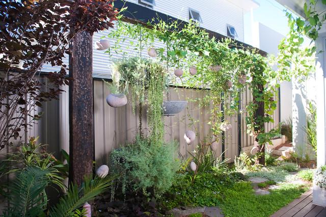 garden screens fremantle eclectic landscape - Garden Design Perth