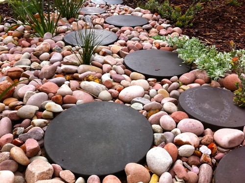 Dry river bed step stones - Stepping stones and pebbles ...