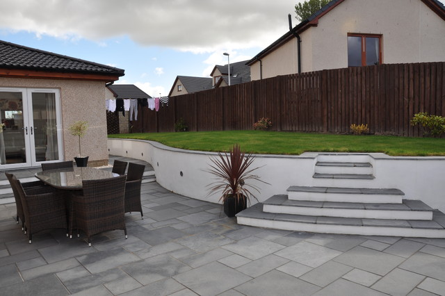 Garden Steps In Fairstone Black Limestone And Smooth White