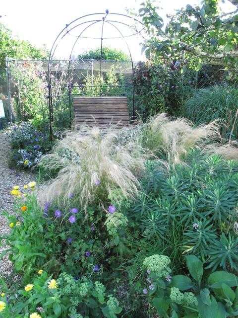 Gravel Garden contemporary-landscape