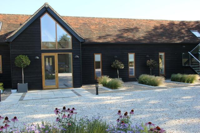 Hitchin Barn Garden contemporary-landscape