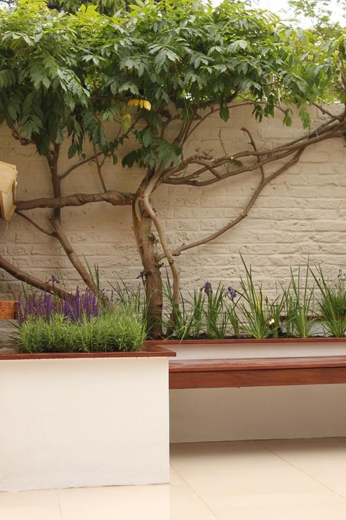 Sette accorgimenti per creare un giardino accessibile a for Costruire un garage su un terreno in pendenza