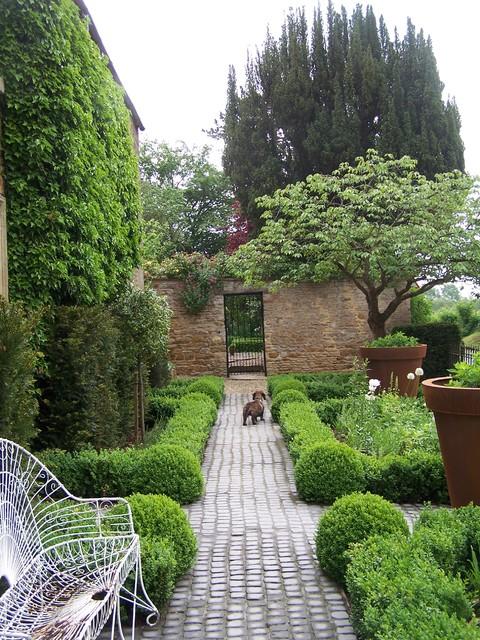 Design ideas for a country garden in London.