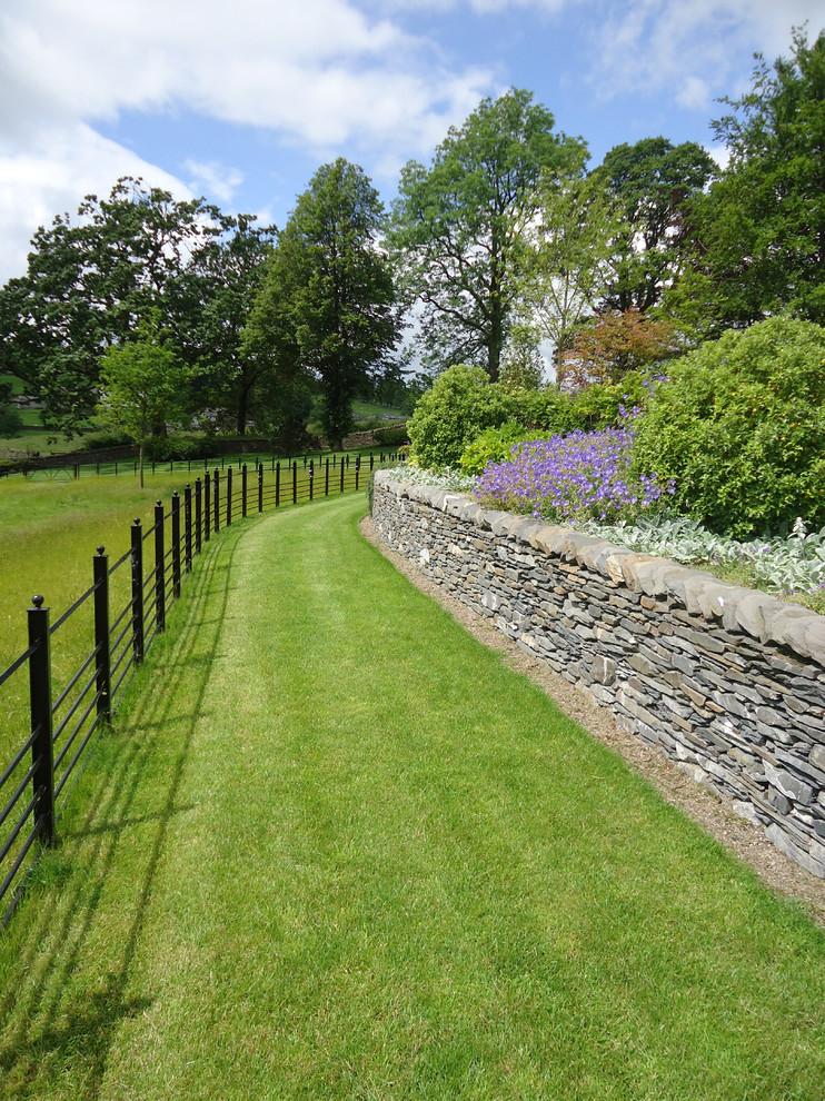 Lakeland Arts & Crafts Garden by Barnes Walker Landscape ...
