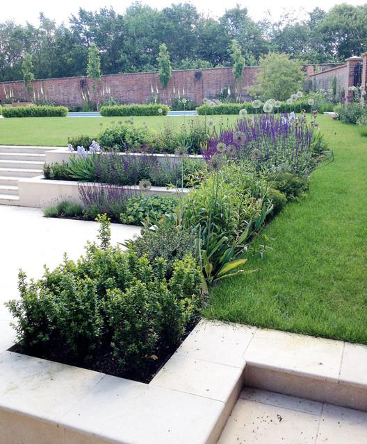 Large Gardens Estates: Large Country Estate