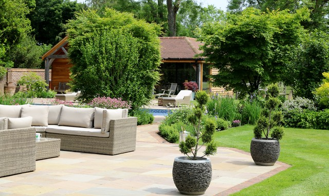 Large east sussex hills garden country garden london for Garden design east sussex