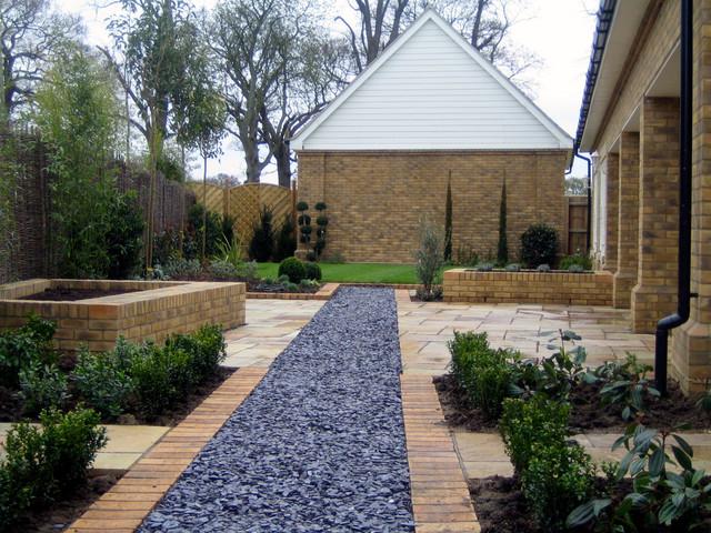 london backyard - contemporary - garden - gold coast
