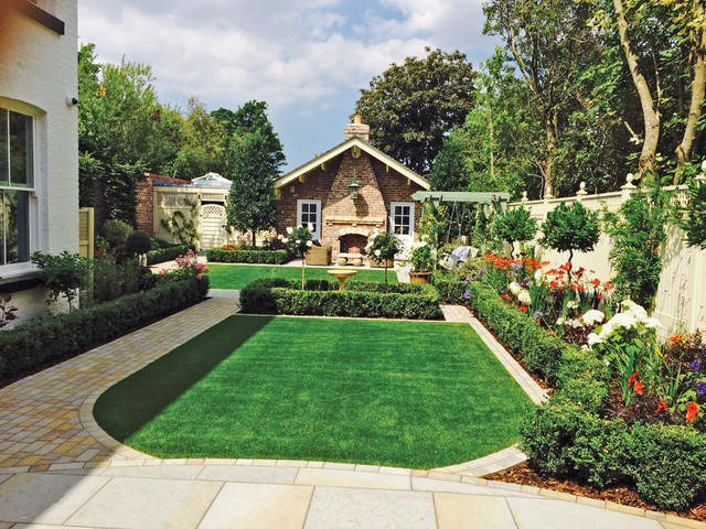Photo of a country garden in West Midlands.