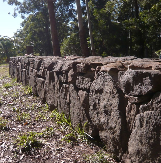 Ornamental rock wall garden sunshine coast by peter for Landscaping rocks sunshine coast