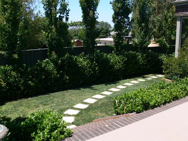 Penny 39 s garden traditional garden geelong by for Garden design geelong