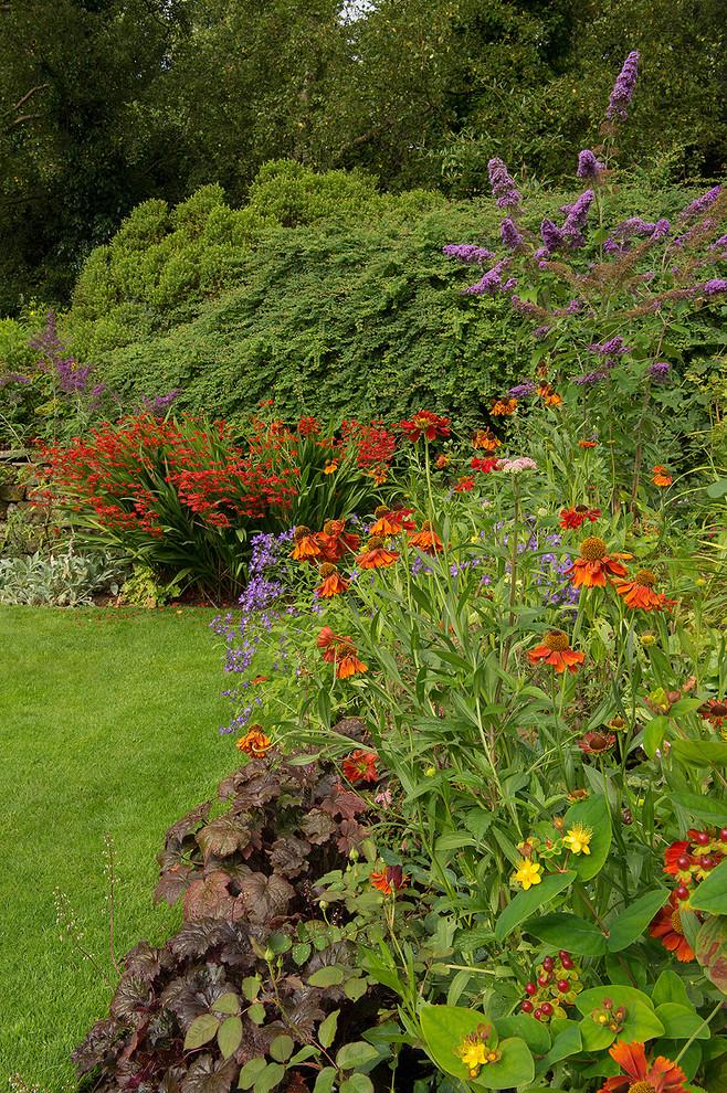 Planting design. English country garden, Ilkley, West ...