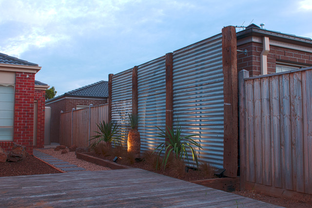 Point Cook Feature Wall - Contemporary - Landscape ...