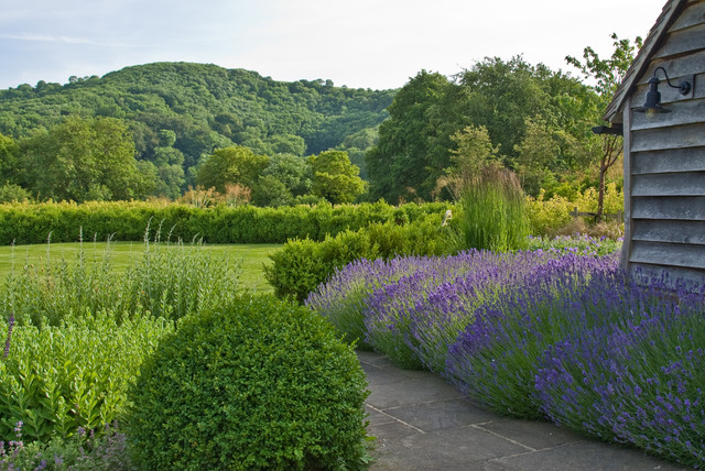 Rural Retreat, West Sussex country-garden