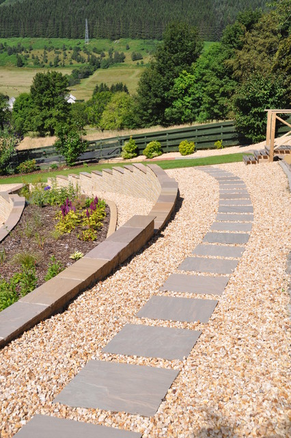 Sandstone Stepping Stone Path Surrounded With Quartz Gravel