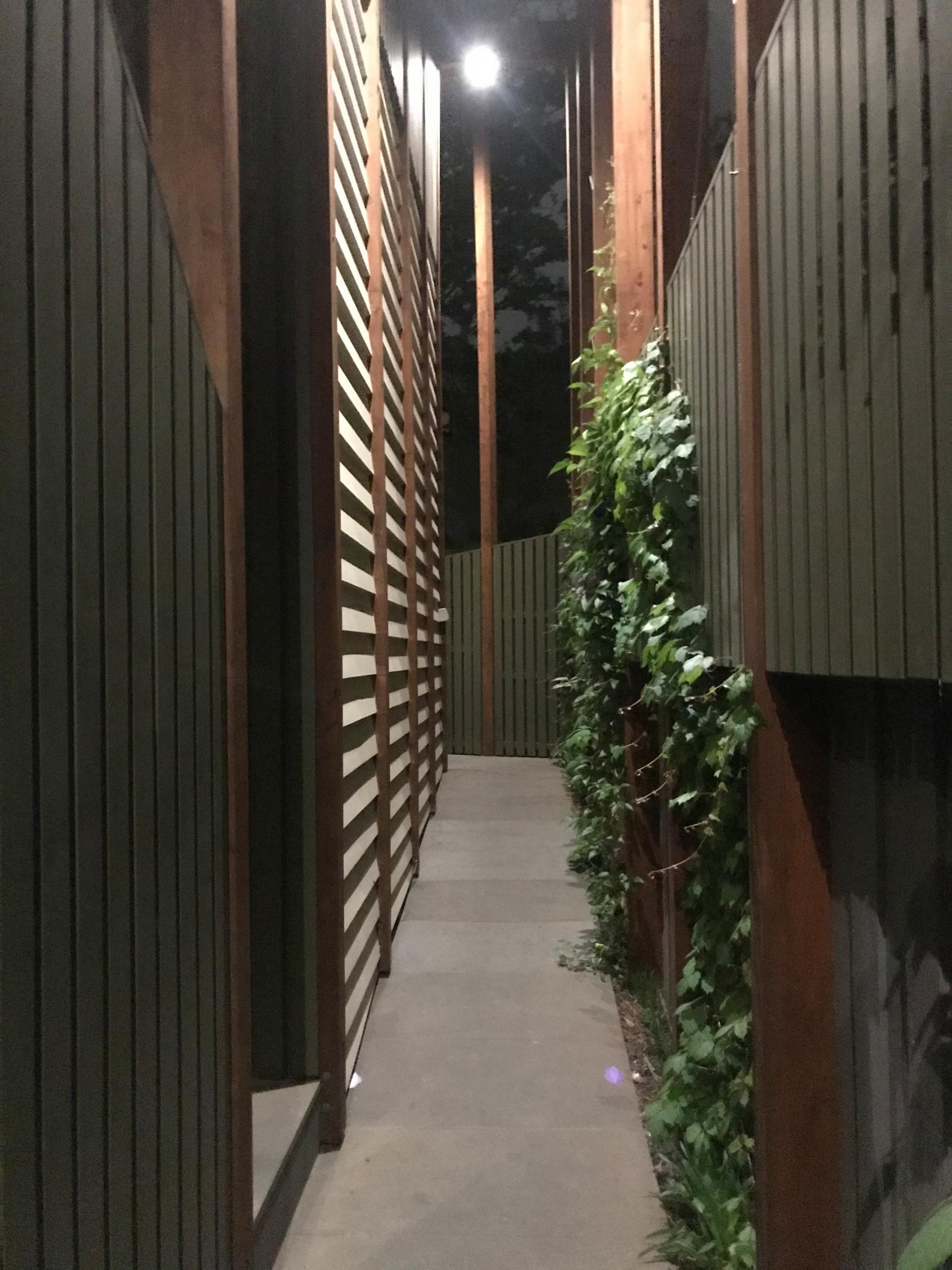 'Scarborough' Green Facade in Clifton Hill