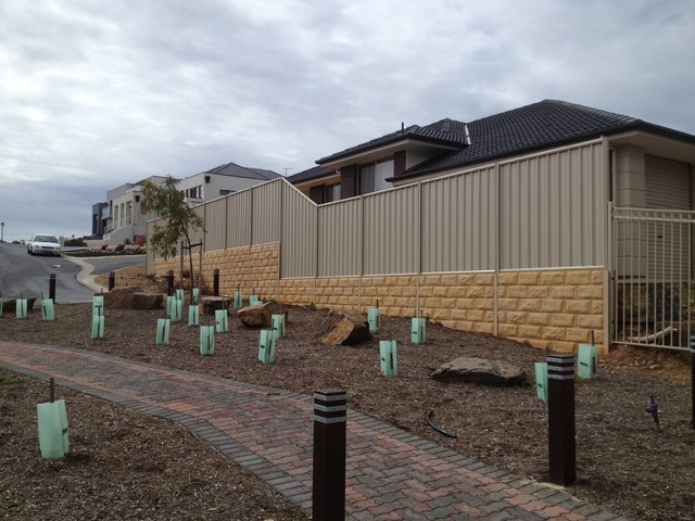 Sleeper retaining walls modern landscape adelaide for Retaining wall contractors adelaide