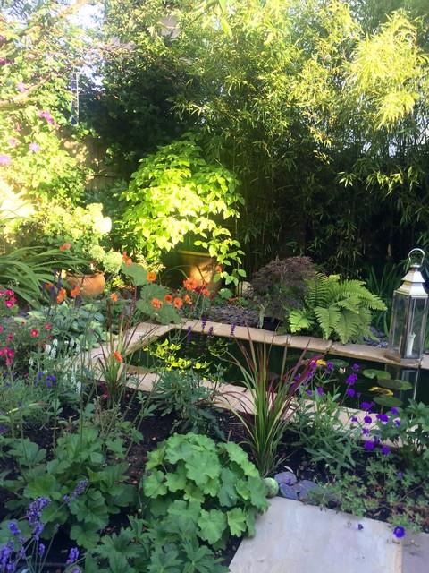 Small Garden Ponds Houzz Uk, Small Garden Pond Design