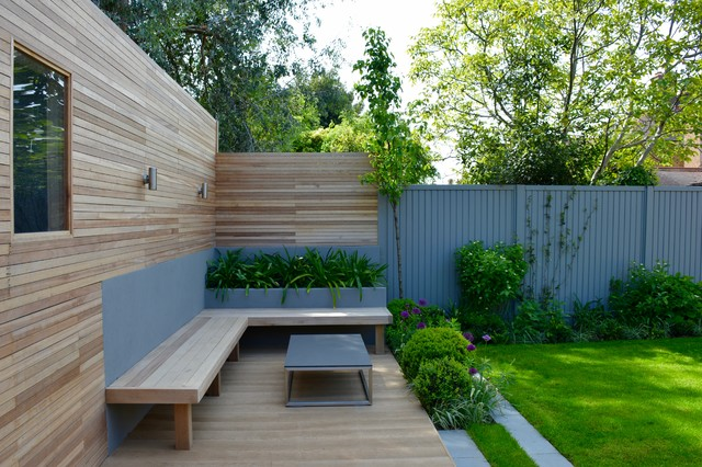 18 Painted Fences And Walls That Transform Their Gardens Houzz Ie
