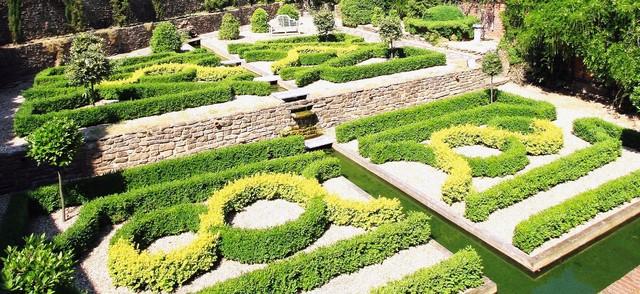 Surrey Country House Knot Garden by LSL Landscape Design
