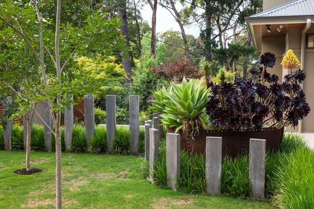 Tranquil entertainer garden contemporary garden for Tranquil garden designs