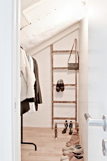 ... 12, Örgryte, Göteborg. modern-foervaring-och-garderob