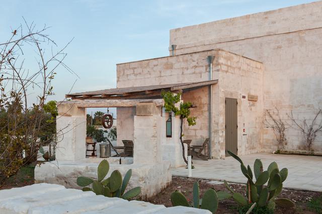 Borgo sentinella mediterraneo giardino bari di for Moderna architettura mediterranea