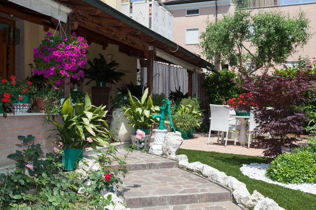 Giardini mediterraneo giardino venezia di roberto for Giardino mediterraneo