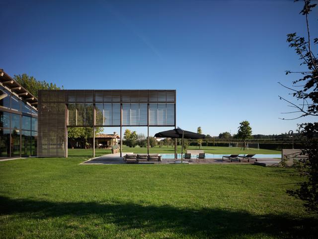 Residenza privata a faenza contemporaneo giardino for Ristrutturare un giardino