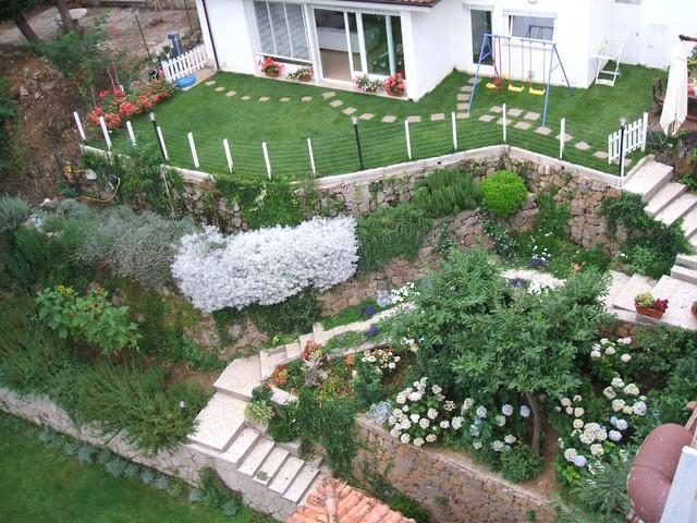 Ristrutturazione di un villino con sistemazione degli - Sistemazione giardino ...