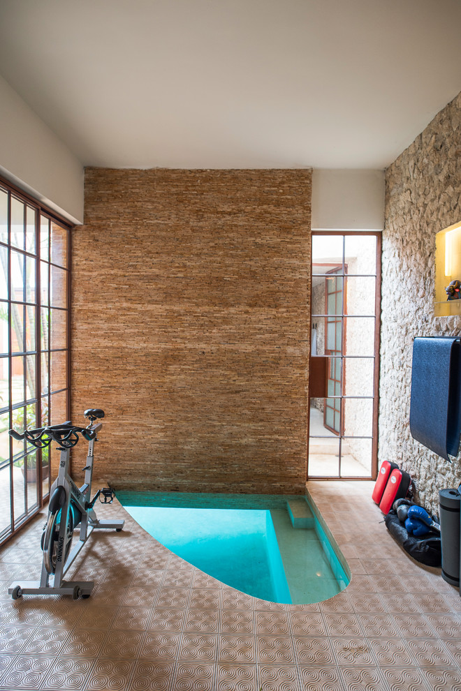 Southwest beige floor home gym photo in Mexico City with beige walls