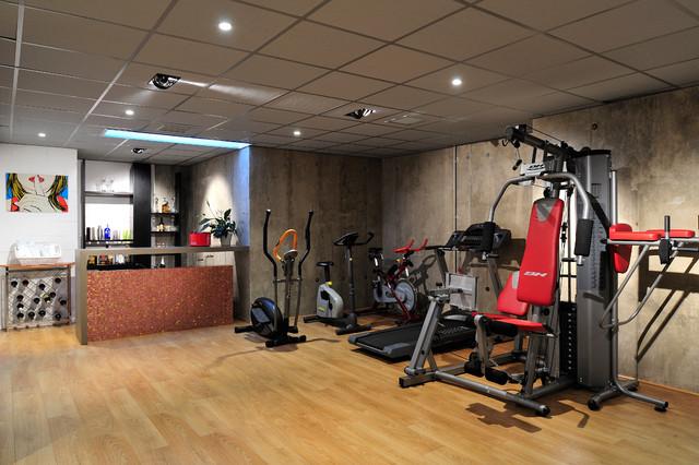 Vivienda unifamiliar cl sico renovado gimnasio otras zonas de prolyco - Decoracion gimnasio ...