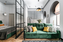 Houzz Tour: A Room in a Communal Flat Turns into a Chic Studio