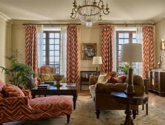 Houzz тур: Классический интерьер в современном жилом комплексе