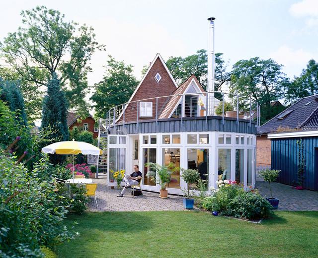 Anbau in schiffsform modern haus fassade hamburg for Haus anbau modern